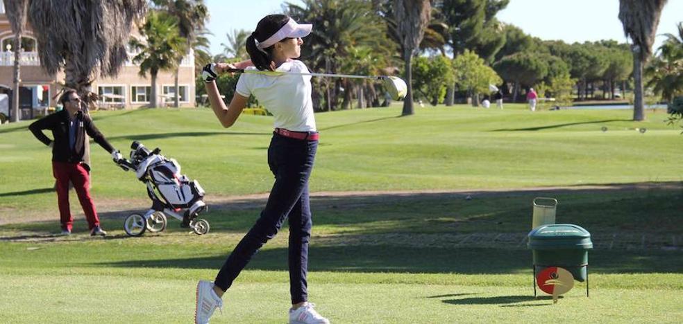 Bárbara Amorós, campeona nacional sub-21 de golf en modalidad hándicap