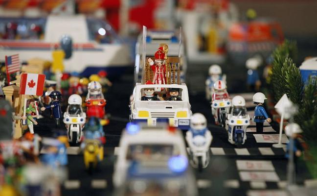 Una exposición con mil piezas de Playmobil en Benetússer