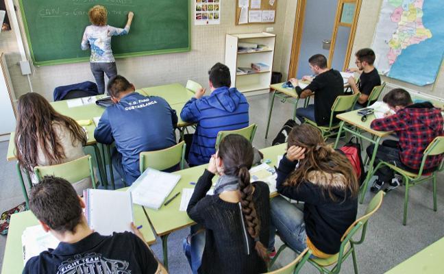 Educación remite una encuesta económica a los centros sin previo aviso