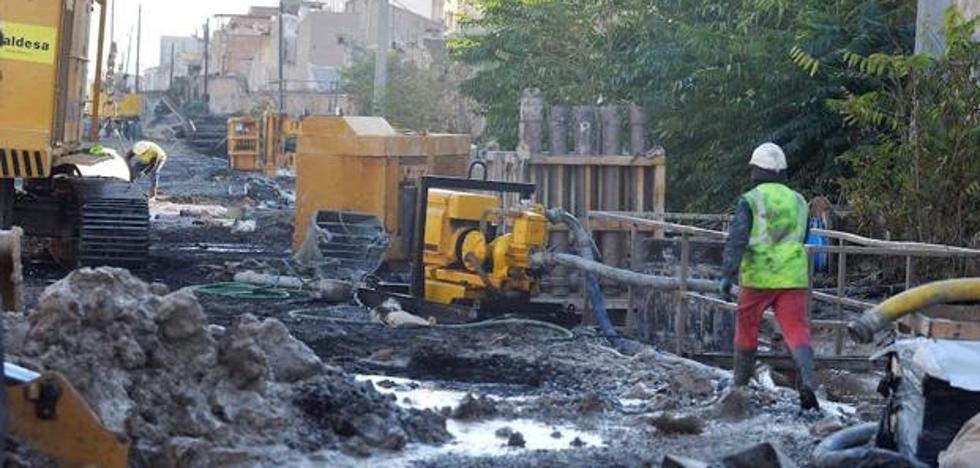 Lanzan dos artefactos explosivos a las obras del AVE en Murcia
