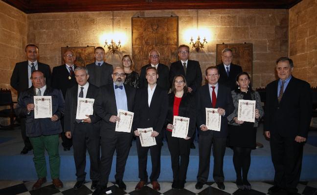 La Real Acadèmia reconoce las mejores tesis