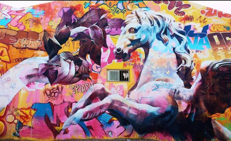 Fotos del nuevo mural de Ciudad Fallera