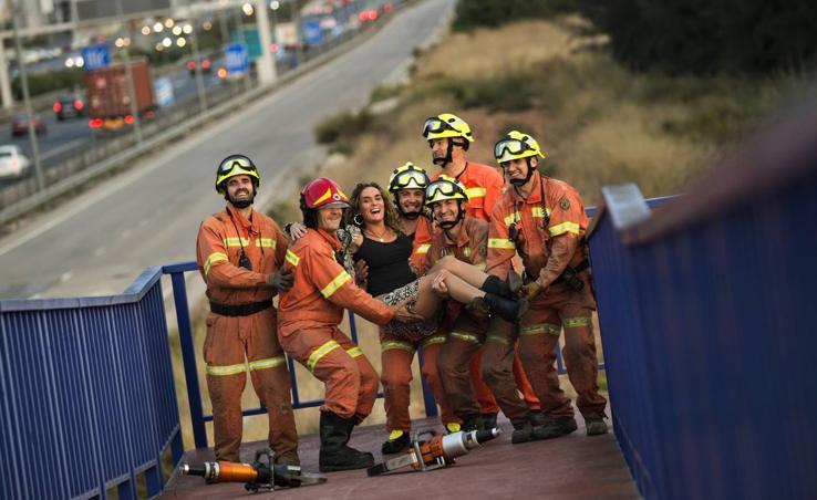 Las 12 fotos del calendario solidario contra el cáncer del Consorcio Provincial de Bomberos de Valencia
