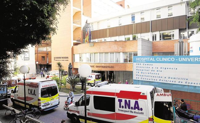 La presencia de legionela pone en jaque a un Hospital Clínico colapsado