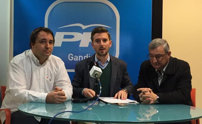 Ediles del PP denuncian que el gobierno del Botànic bloquea la llegada del tren