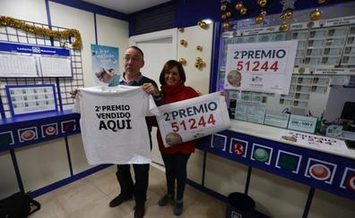 Una mujer se encuentra un décimo de Navidad premiado con 125.000 euros y lo entrega a la Policía