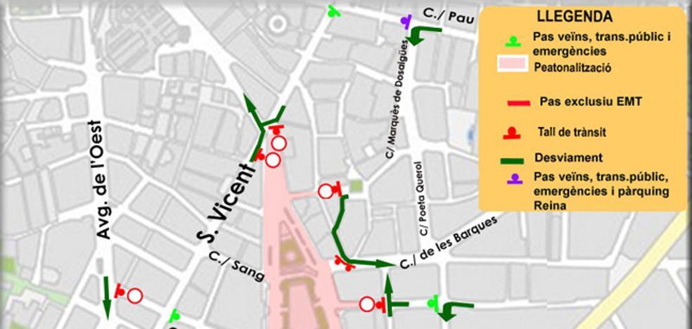 La plaza del Ayuntamiento, cerrada al tráfico la tarde de Nochebuena y el día de Navidad