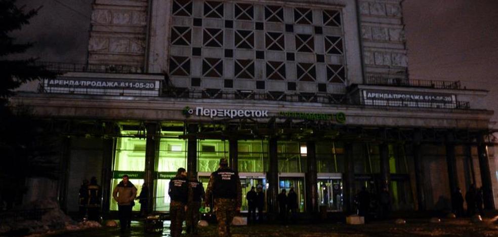 Al menos diez heridos en una explosión en un supermercado de San Petersburgo