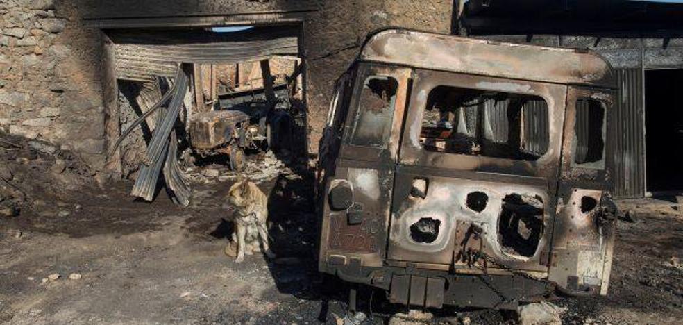 El fuego de Culla ya está estabilizado y se retiran los medios aéreos