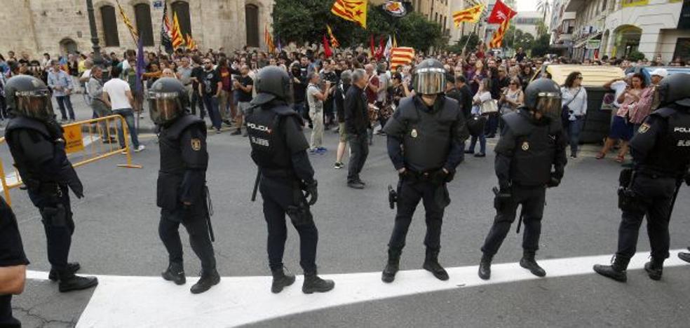 El Gobierno defiende la actuación policial durante el 9 d'Octubre en Valencia