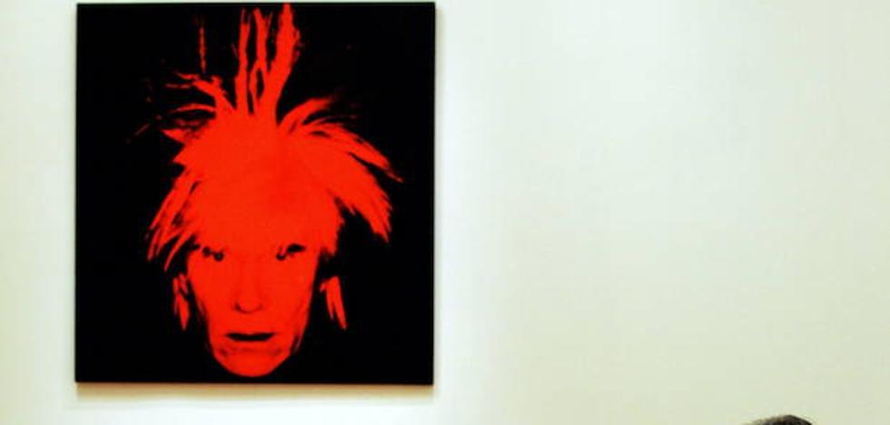 Una mujer destruye dos obras de Andy Warhol en una primera cita