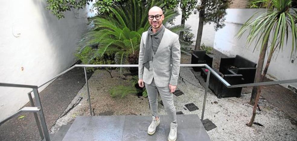 Rafa Moreno, un estilista entre el sol y la luna