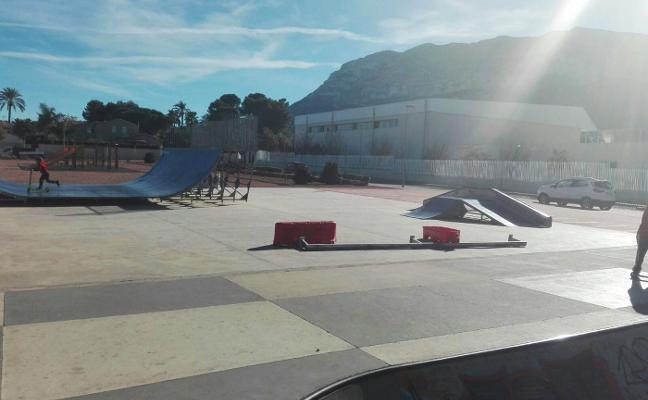 Una pieza de las obras del tren en la pista de skate