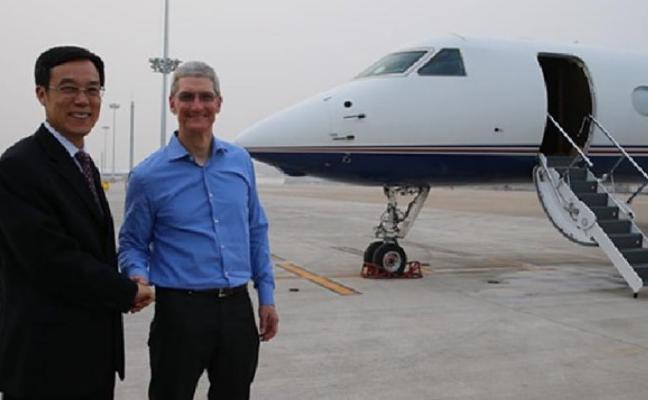 Apple mima a Tim Cook y sólo le deja viajar en su avión