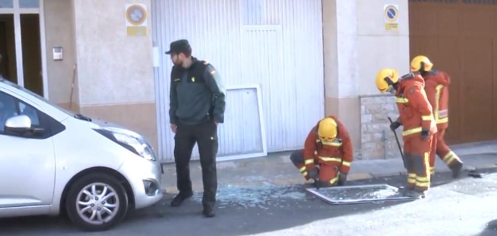 Vídeo | Una vecina avisó a la policía del atrincheramiento del presunto maltratador