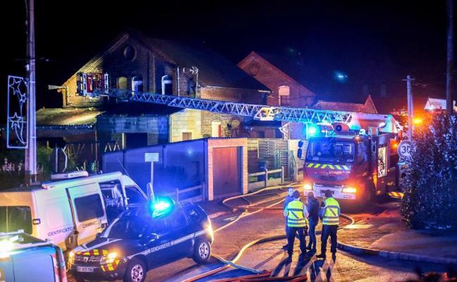 Mueren cuatro personas en el incendio de una casa en Francia