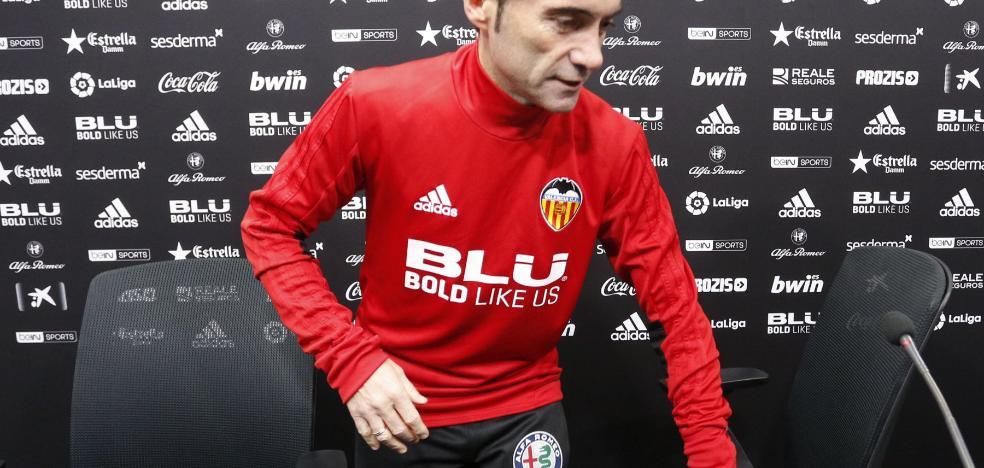 Marcelino: «La afición tiene que decidir, ganar supondría estar a cuatro partidos de una final»