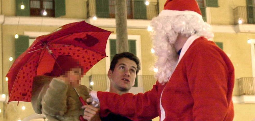 Despiden a una dependienta por desvelar a una niña quién era Papá Noel