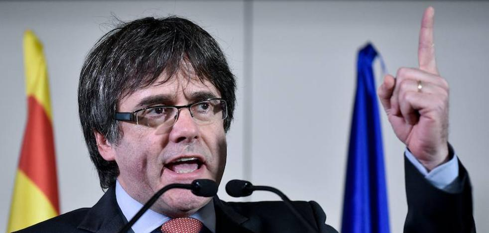 Puigdemont se reunirá el viernes en Bruselas con su grupo parlamentario