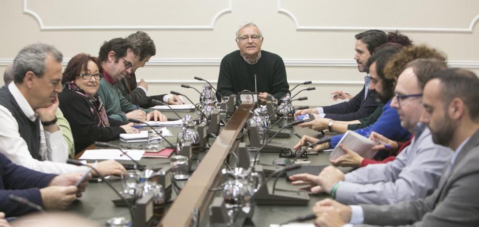 Los colectivos sociales y vecinales estallan contra la gestión de Giuseppe Grezzi