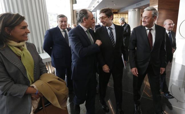 El presidente de Bankia desmiente a Rato y niega que los competidores fijaran su rescate