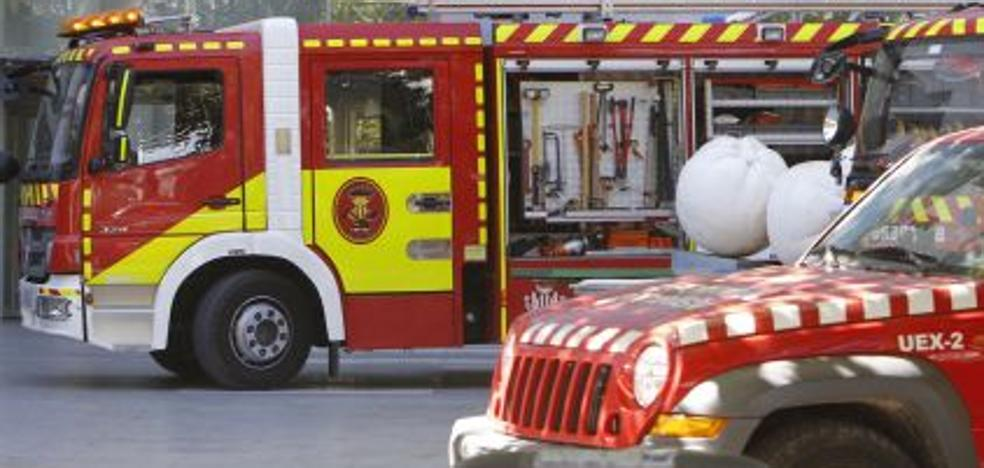 Siete intoxicados en el incendio de una vivienda en Valencia