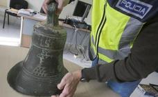 La Policía Autonómica recupera la campana de una ermita del siglo XVI desaparecida desde 2005