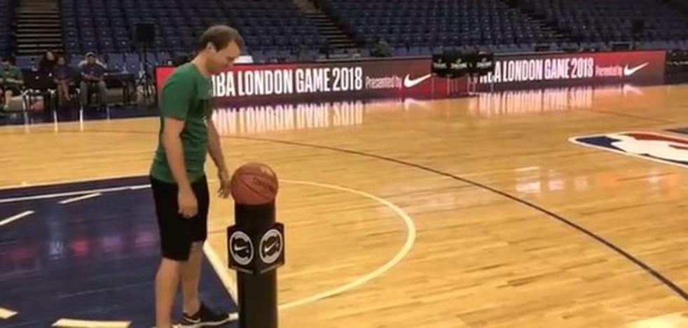 Mendieta también manda en la cancha de basket