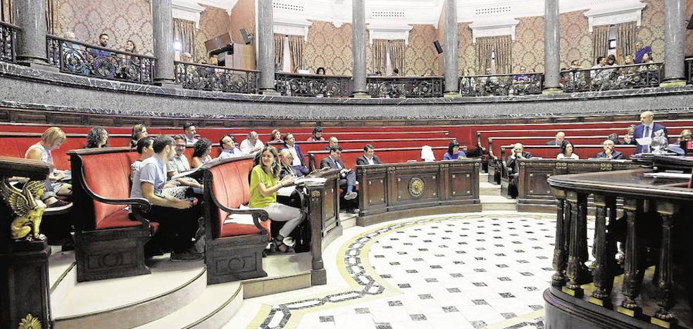 Valencia pagará dos años a sus exconcejales si no pueden trabajar por incompatibilidad