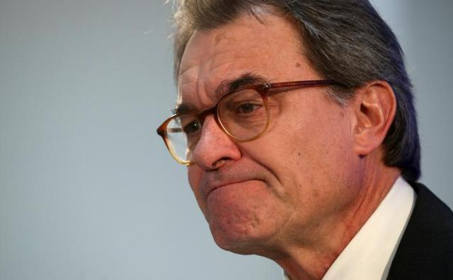 Mas pide «unidad» con JxCat en su adiós como presidente del PDeCAT