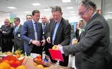 Ximo Puig visita los almacenes de Socomo
