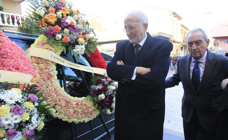 Fotos del funeral de Francisco Pons, expresidente de la Asociación Valenciana de Empresarios (AVE)