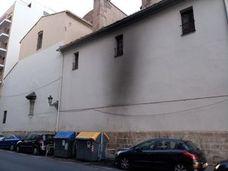 Un incendio calcina la fachada de una iglesia en Valencia