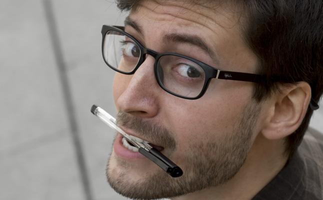 Adrián Novella: «En Valencia existe un problema de desconocimiento teatral de base»