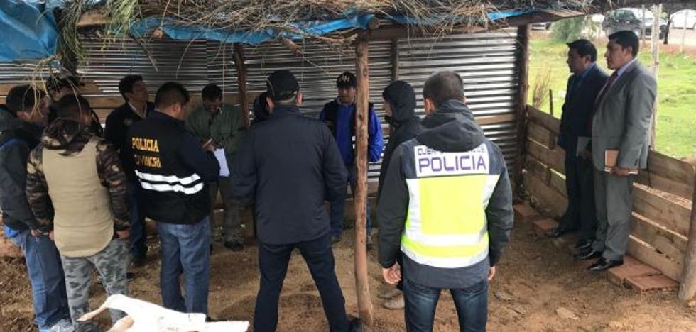 Los padres asisten a la reconstrucción de la muerte de la mochilera valenciana desaparecida en Perú