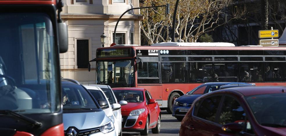 La flota de la EMT crece en un solo autobús pese a los 113 anunciados