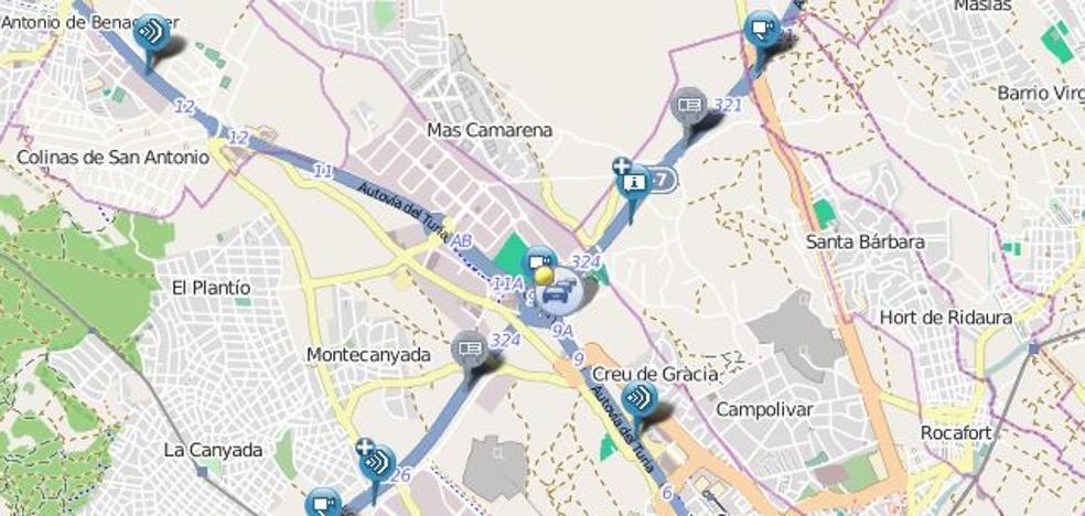 Un accidente en el bypass bloquea la A-7 en Paterna y los accesos desde la V-30