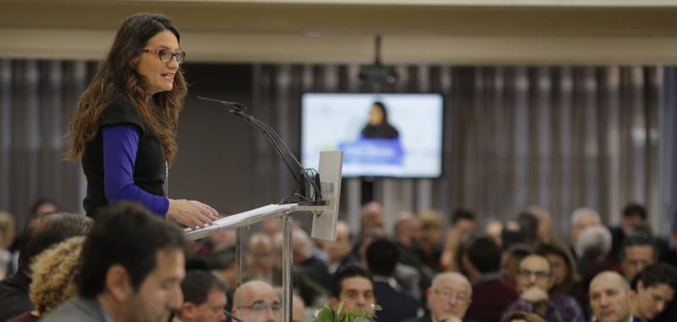 Mónica Oltra: «Si Inés Arrimadas fuera hombre le estaría disputando el liderazgo a Rivera»