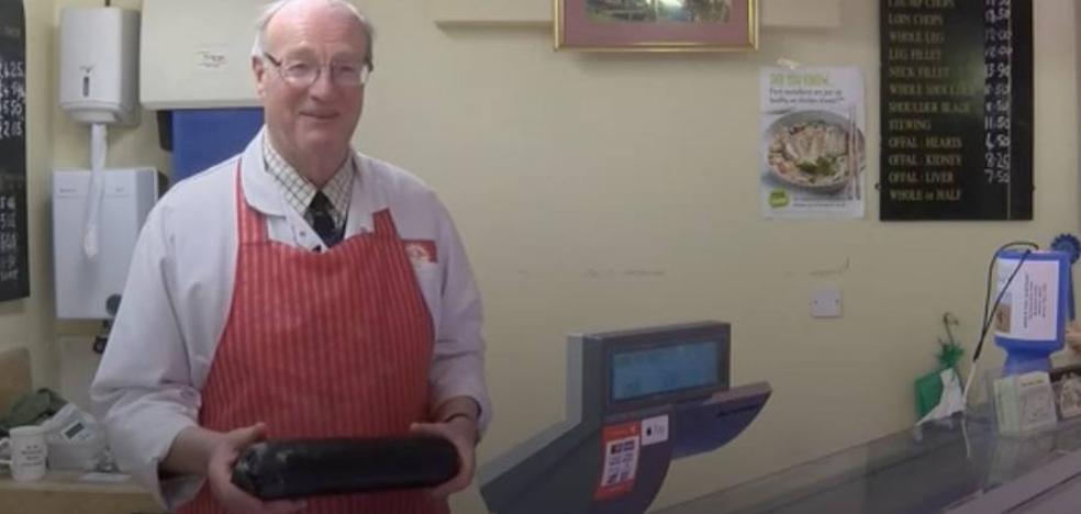 Un carnicero atrapado en su congelador salva su vida gracias a una morcilla