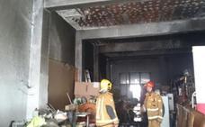 Un hombre sufre intoxicación por humo tras incendiarse su vivienda en Teulada