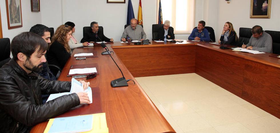 La oposición presenta una moción de censura contra el gobierno local de Benitatxell