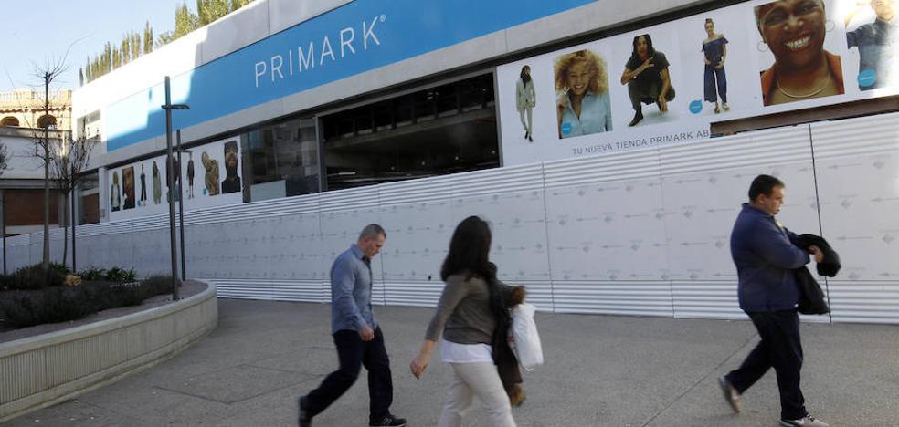 Las grandes marcas se disputan los locales comerciales en el centro de Valencia