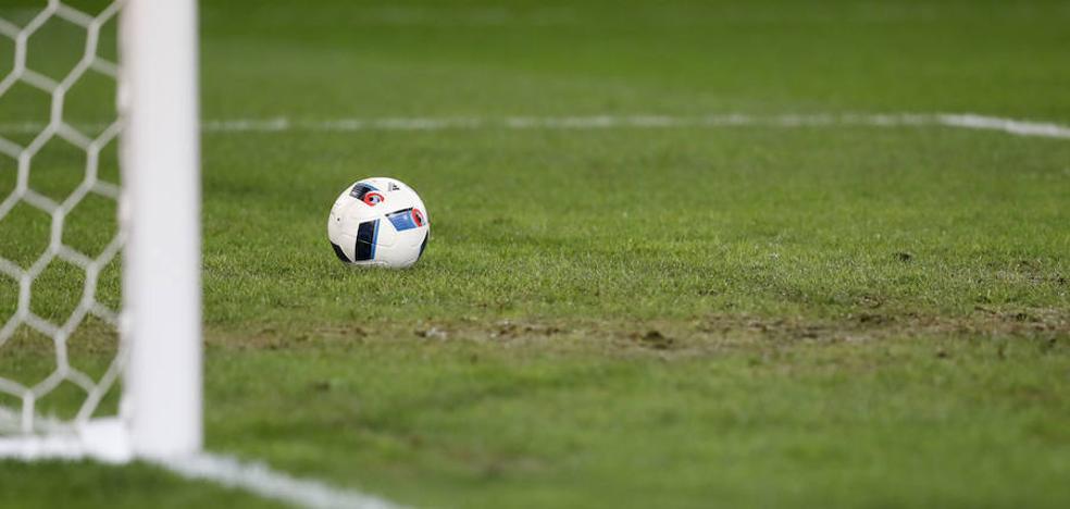 «Mujer tenías que ser», sancionan a dos delegados de un club de fútbol alicantino por menospreciar a una árbitra