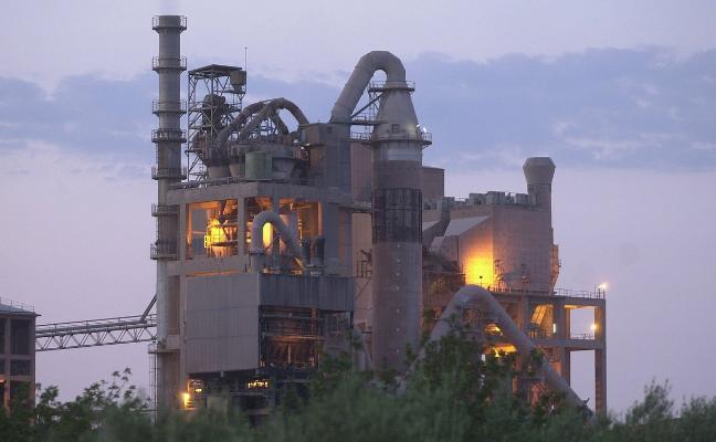 La industria cementera alerta de que el nuevo impuesto a los residuos vulnera la ley europea