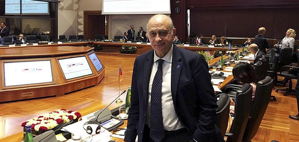 El exministro del Interior Fernández Díaz, hospitalizado tras sufrir un infarto