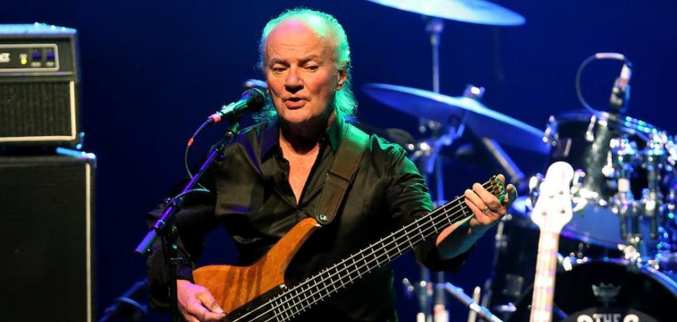 Muere el músico Jim Rodford tras caer de las escaleras