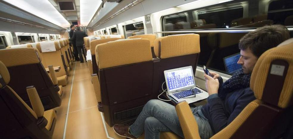 El primer viaje del AVE a Castellón con pasajeros también llega tarde