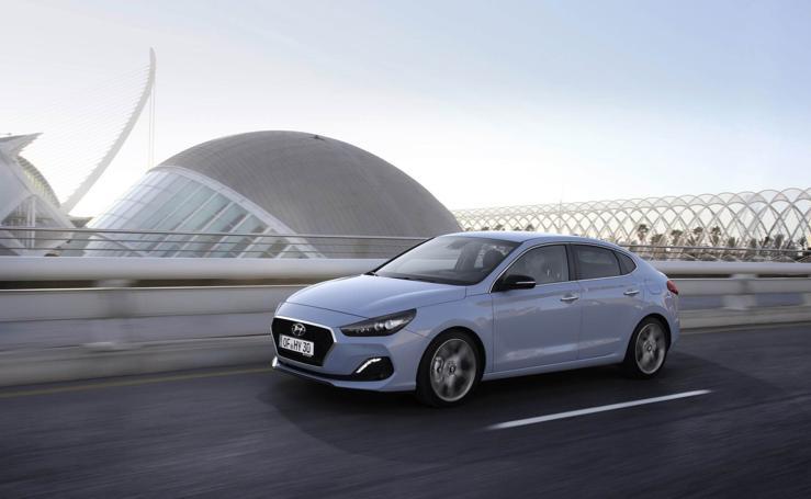 Las fotos del Hyundai i30 Fastback en la Ciudad de las Artes y las Ciencias de Valencia