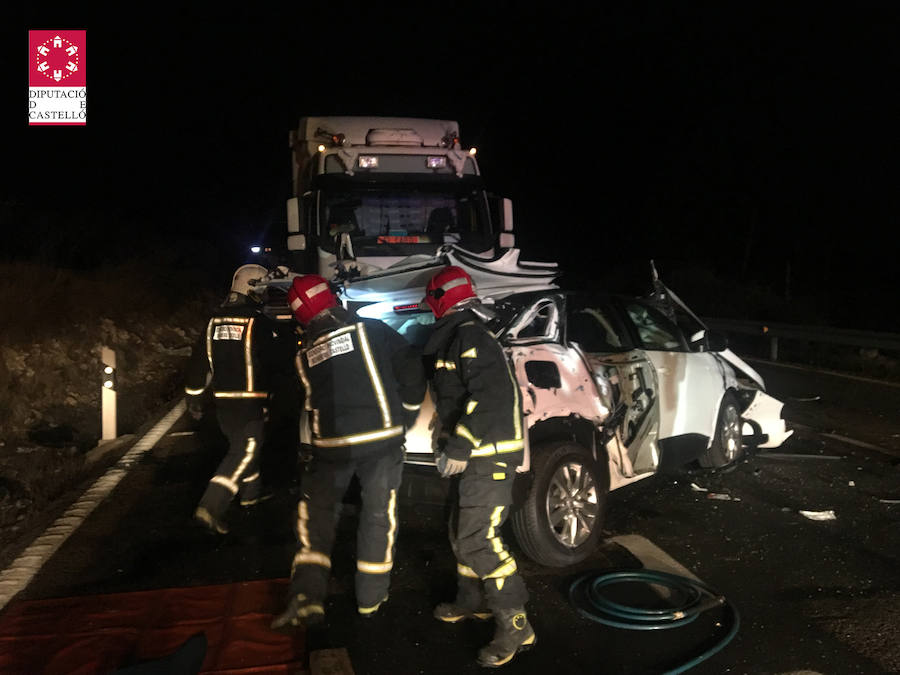 Fotos del accidente mortal en la N-340 en Alcalá de Xivert