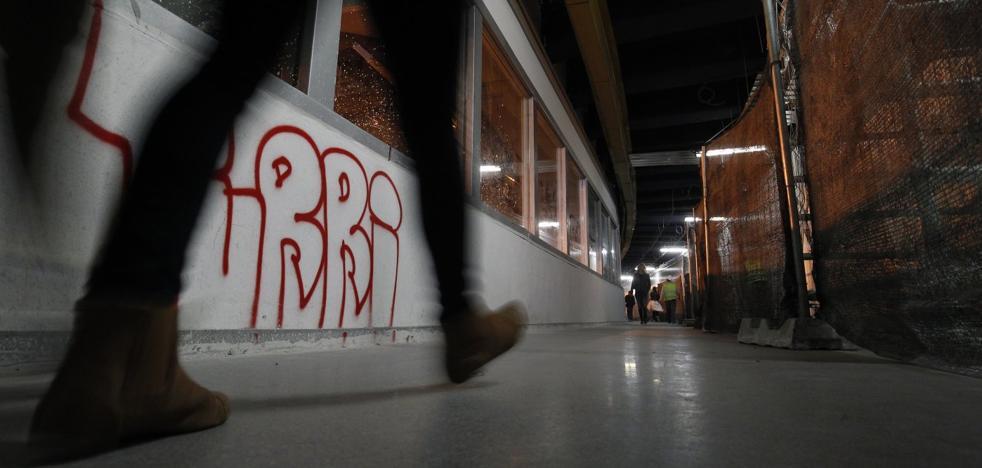 El inacabado pasaje de Germanías ya se llena de pintadas por el vandalismo